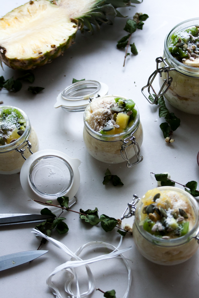 Low FODMAP Tropical Overnight Oats.Like eating refreshing, filling and nutritious ice-cream for breakfast!Plus It's easy to digest and simple to make.