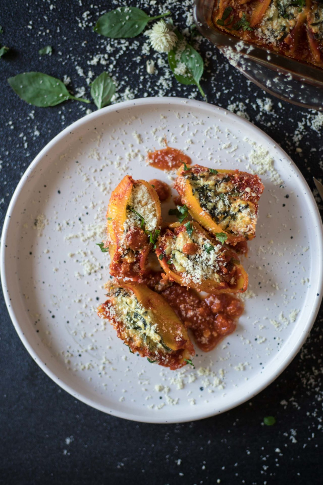 These Low FODMAP Ricotta and Spinach Pasta Shells are light yet filling, super flavorful, healthy and easy to digest. Plus super simple to make!
