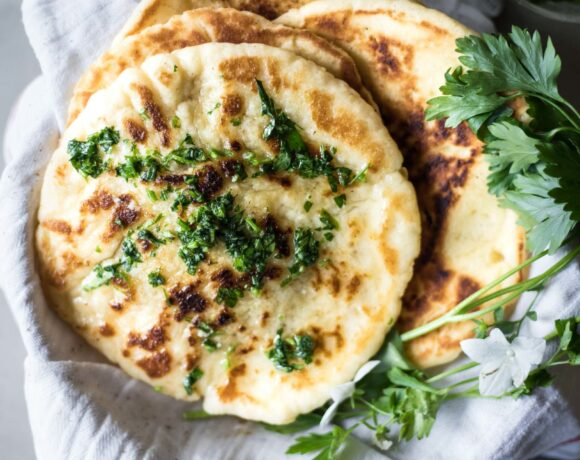 This gluten-free naan bread is everything a good naan bread should be. Soft, tender and chewy. Plus low FODMAP, easy on the stomach and very simple to make.