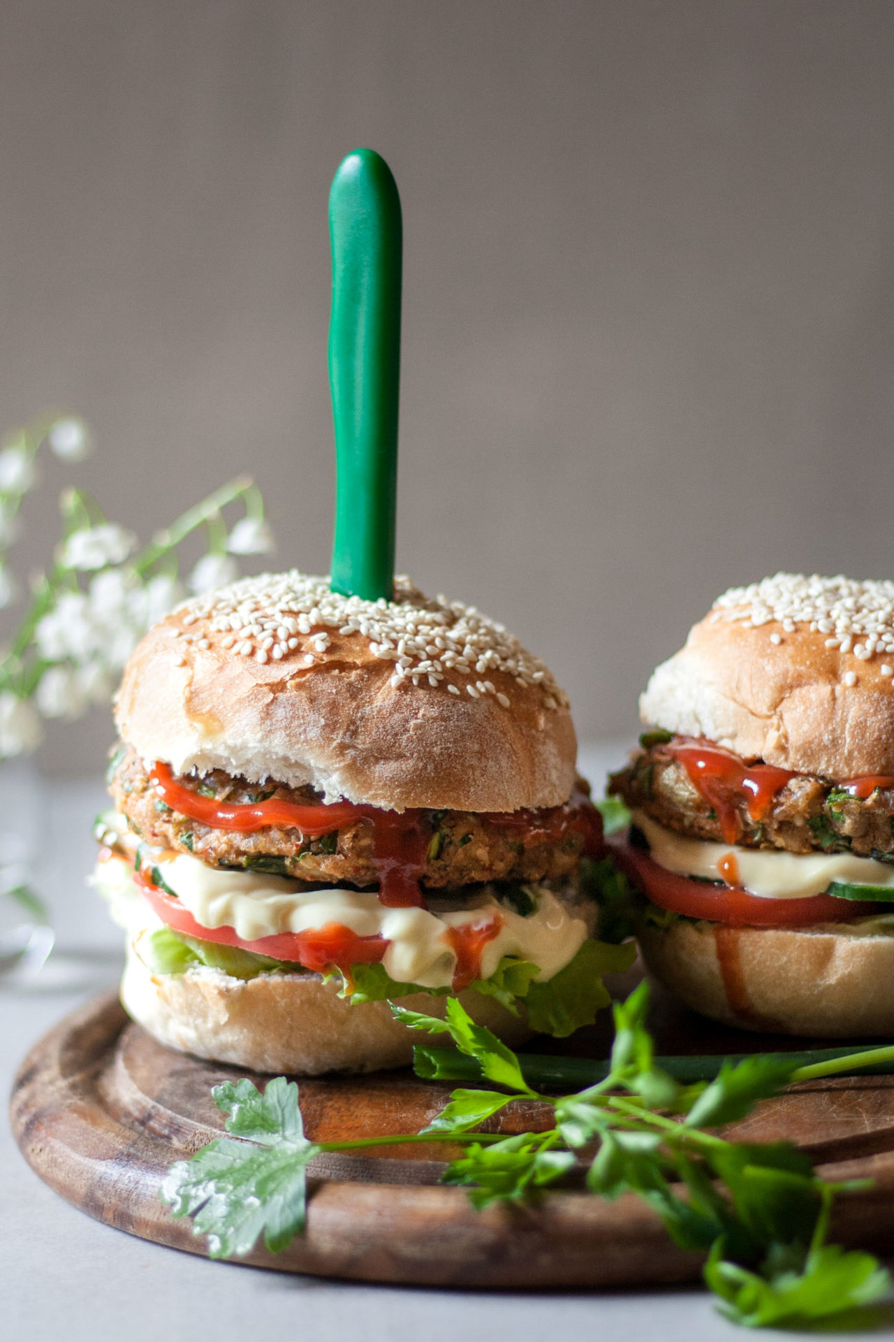 This low FODMAP veggie burger is simple to make, loaded with nutritious ingredients and easy to digest. Plus super flavorful with nice meaty texture and consistency