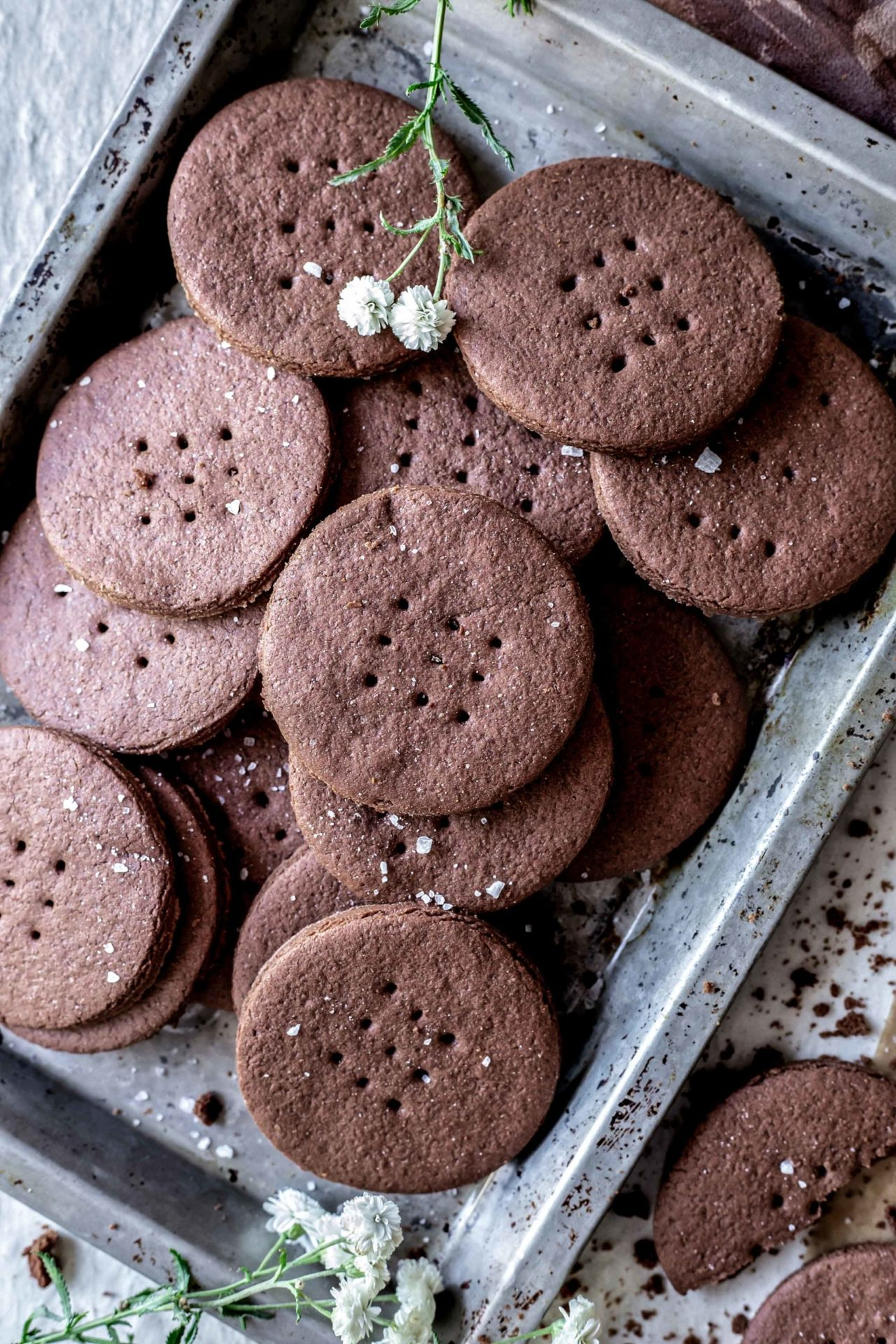 These Gluten-Free Chocolate Wafer Cookies are soft, chewy, perfectly sweetened, extra chocolaty, flavorful, buttery and so delicious!